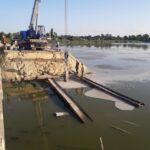 Будуємо тимчасовий міст у Чупахівці